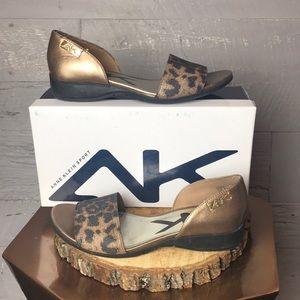 Anne Klein sport gold / black leopard sandals